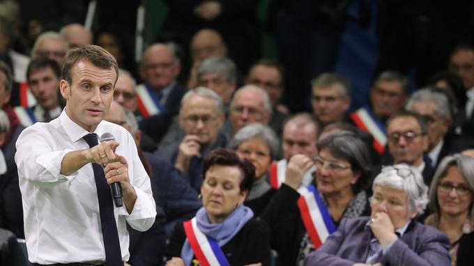 FRANCIA: Grand débat national : Macron ouvert sur les 80 km/h et les collectivités, moins sur l'ISF