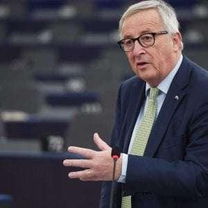 """Ue, mea culpa di Juncker: """"Durante la crisi austerità avventata. Poca solidarietà con i greci"""""""