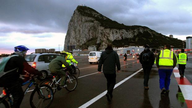 La UE apoya la reivindicación de España y define a Gibraltar como colonia británica
