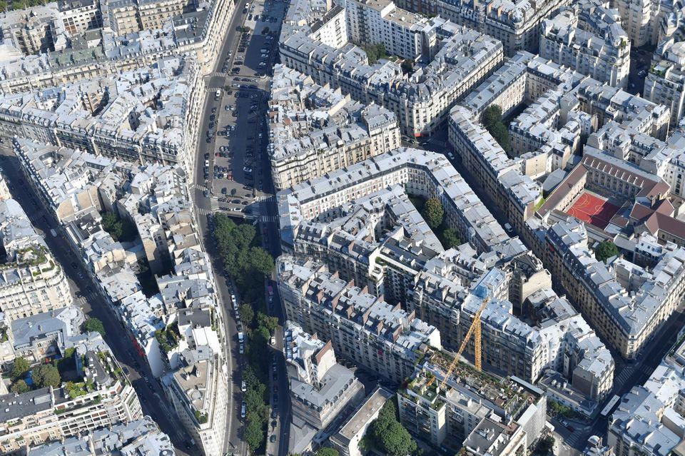 Immobilier : à Paris, le mètre carré frôle la barre des 10 000 euros