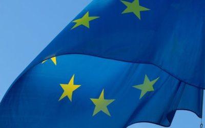 21 marzo, festa del patrono dell'Europa: madamin oggi in piazza a distribuire bandiere dell'UE