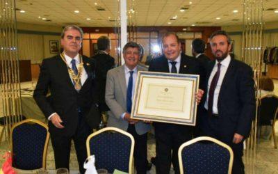 La Fundación Bancaria la Caixa recibe el Premio Servir