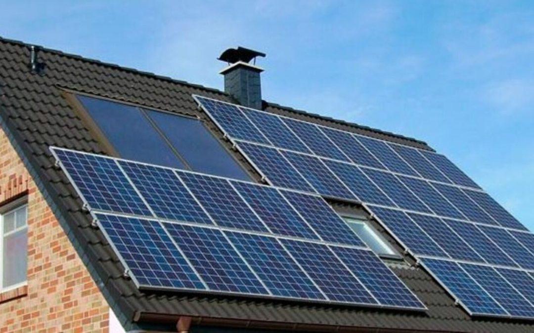Poner placas solares en casa, de 6.000 euros en adelante: ¿compensa el autoconsumo?