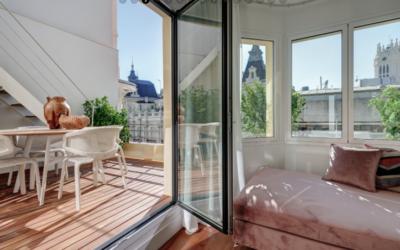 Seis consejos para reformar una terraza y convertirla en el espacio estrella de la casa